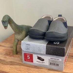 See Kai Run kids size 5 shoes (Miles II style)